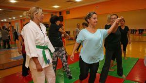 Karşıyakalı kadınlar aikido öğreniyor