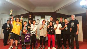 Bucalı genç sporcular Ata'yı satrançla andı