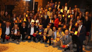 CHP İzmir Eğitim Ordusunu Onurlandırdı
