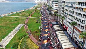İzmir Atatürk'e Saygı Yürüyüşü'nde buluştu
