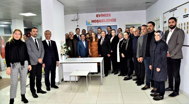 Başkan İduğ'dan parti ziyaretleri