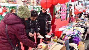 Bornova'da 'Yeni Yıl Hediyelik Eşya Günleri' başladı