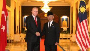 Cumhurbaşkanı Erdoğan, Malezya Kralı Sultan Abdullah ile görüştü