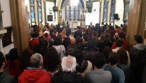 İzmir'deki Hristiyan vatandaşlar Noel Bayramı'nı kutladı