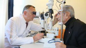 Retina Yırtıklarına Yapıştırıcılı Çözüm