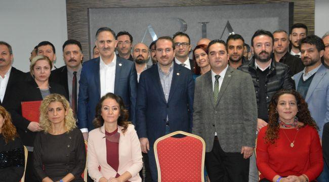 """AK Parti İzmir Milletvekili Yaşar Kırkpınar: """"Sağlık En Önemli Önceliğimiz"""""""