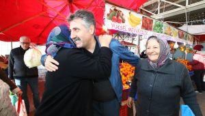 Başkan Sandal'a Pazar'da Sevgi Seli
