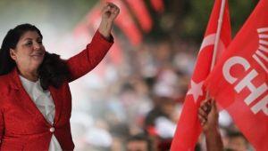 CHP Karşıyaka'da Başkan Nesrin İnetaş 'Adayım' Dedi