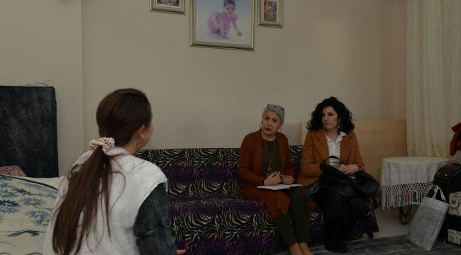 Çiğli Belediyesi'nden, görme engellilere ev ziyareti