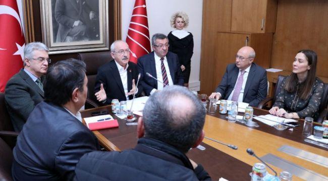 Kılıçdaroğlu Kombassan Holding mağdurlarıyla görüştü
