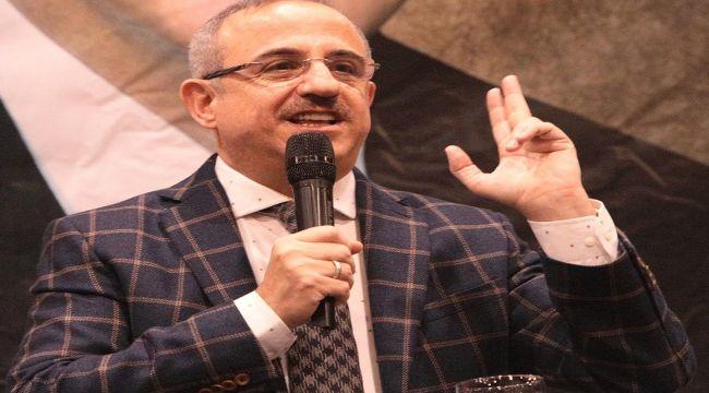 AK Parti İzmir İl Başkanı Sürekli;''İzmirlilerin temel sorunu görmezden geliniyor, proje bile üretemiyorlar''