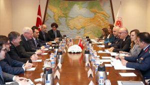 Bakan Yardımcısı Karaosmanoğlu, ABD Suriye Özel Temsilcisi Jeffrey Ve ABD Ankara Büyükelçisi Satterfield İle Görüştü