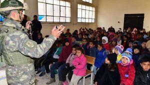 Barış Pınarı Bölgesindeki Çocuklara Mayın/EYP'den Korunma Eğitimi Verildi