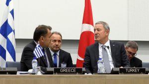Millî Savunma Bakanı Hulusi Akar, Yunanistan Savunma Bakanı Nikolaos Panagiotopoulos ile Telefonda Görüştü