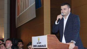 AK Parti İzmir Gençlik Kolları Başkanı Eyyüp Kadir İnan; ''Gençlik eve sığar''