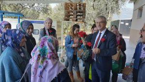 CHP'li Beko Kemalpaşa'da kadın işçilerle buluştu