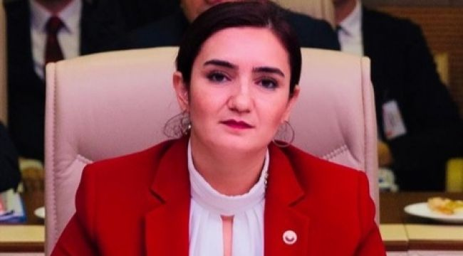 """CHP'li Av. Kılıç: """"Bergama Belediyesinden Çalışanlarına ve Sağlıkçılara Corona Eziyeti!"""""""