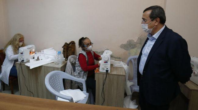 Konak Belediyesi maske üretimine başladı