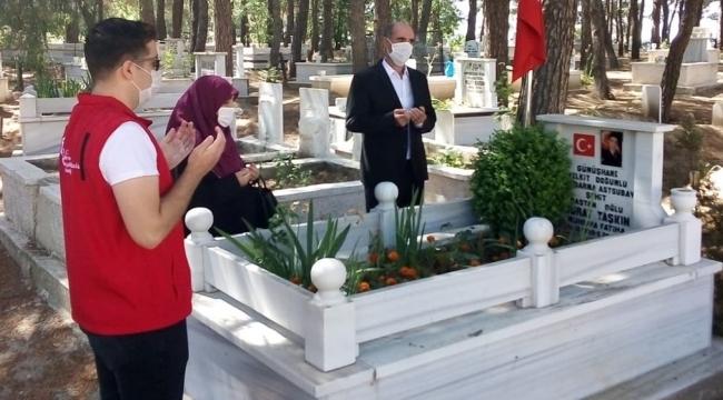 Aile, Çalışma Ve Sosyal Hizmetler Bakanlığı Şehit Yakınlarını ve Gazileri Bayramda Yalnız Bırakmadı