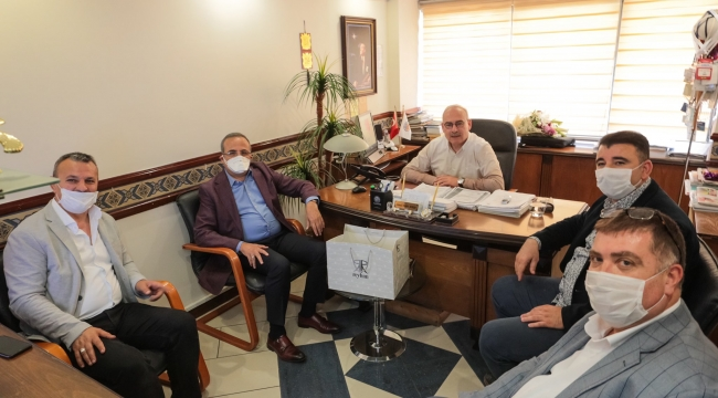 Ak Parti İzmir'den Esnafa Ziyaret