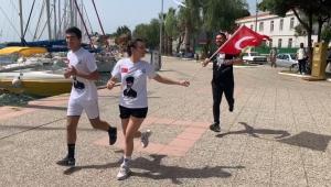 Başkan Fatih Gürbüz ve Foçalı Gençler Atatürk'e Saygı İçin koştu