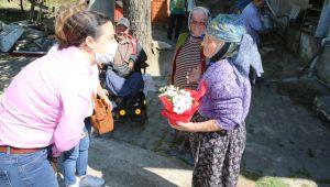 Başkan Sengel'den Anne Yüreklerine Dokunuş