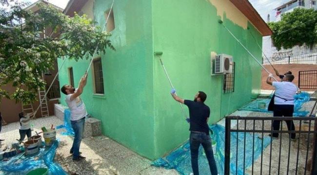 İzmir'de CHP'li gençler köy camisini yeniledi