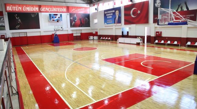 Bayraklı Belediyesi spor tesislerini yeniledi