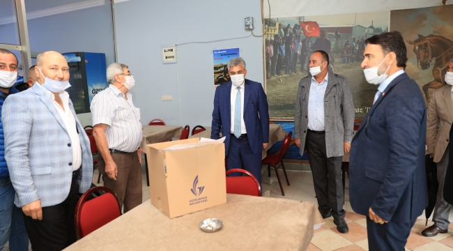 Güzelbahçe Belediyesi'nden Esnafa Hijyen Paketi