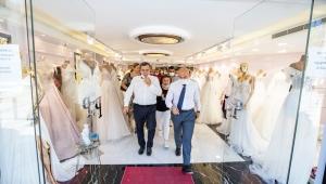 """Başkan Soyer'den Gelinlik Fuarı mesajı: """"İzmirli firmalara pozitif ayrımcılık yapacağız"""""""