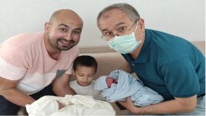 CHP Milletvekili Sertel'in İkiz Torun Heyecanı