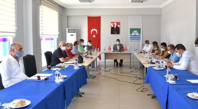 Foça Belediye Meclisi 4 Ay Sonra Yeniden Toplandı
