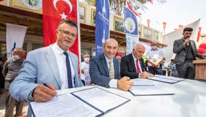 İzmir Büyükşehir'in eli Alaşehir'deki üreticilere kadar uzandı