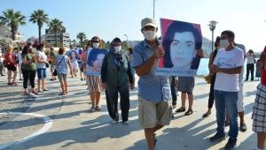 Sivas'ta Yitirilenler Kuşadası'nda Anıldı