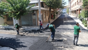 Konak'ın sokaklarına 7 ayda 3 bin 800 ton asfal