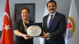 Başkan Gruşcu'dan İGC'ye Ziyaret