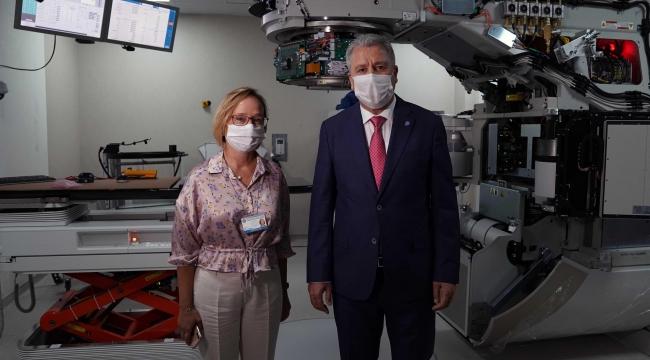 Radyoterapi kliniğinde en modern cihazların kurulumu devam ediyor