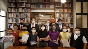 İzmir'in ilk 7/24 açık kütüphanesi açıldı
