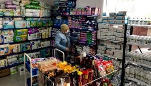 """Çadır Kent Alanında Bulunan Sosyal Market Bornova'daki """"Sosyal Market ve Gıda Bankası'na Taşındı"""