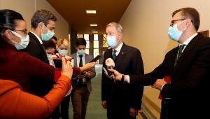 Millî Savunma Bakanı Hulusi Akar, TBMM'de Gazetecilerin Sorularını Cevapladı