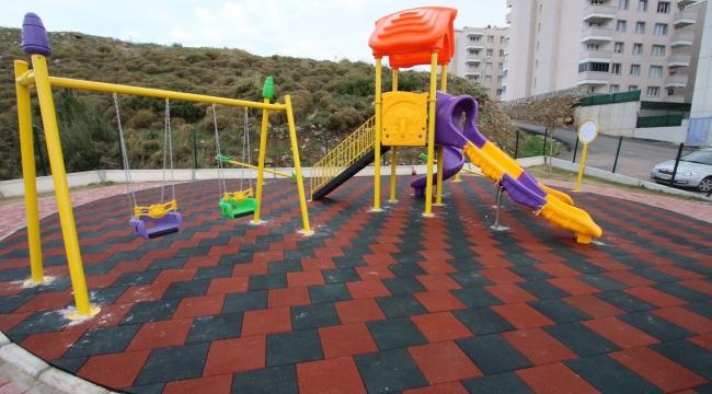 Bayraklı'ya 2 yeni çocuk oyun alanı