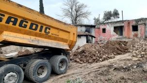 Bornova'da kaçak moloza geçit yok