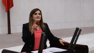 """CHP İzmir Milletvekili Av. Sevda Erdan Kılıç: """"Öğretmenler aşılanmadan okulları nasıl açacaksınız?"""""""
