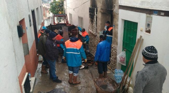 Yangının Yaralarını Kuşadası Belediyesi Sardı