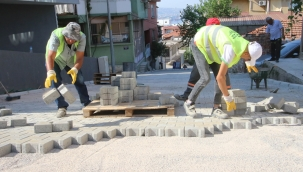 Bayraklı'da 24 Mahalleye 43 Bin Metre Kare Kilit Parke