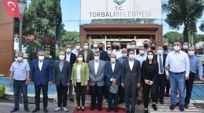 """Başkan Soyer'den Torbalı'ya """"hayırlı olsun"""" ziyareti"""