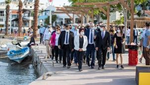 """Başkan Soyer Karaburun'daki tarihi projeleri anlattı: """"121 milyon liralık yatırımla tüm altyapı sorunlarını çözüyoruz"""""""