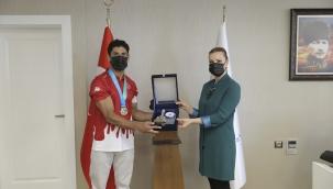 DEÜ Öğrencisi Wushu Dünya Şampiyonu Oldu
