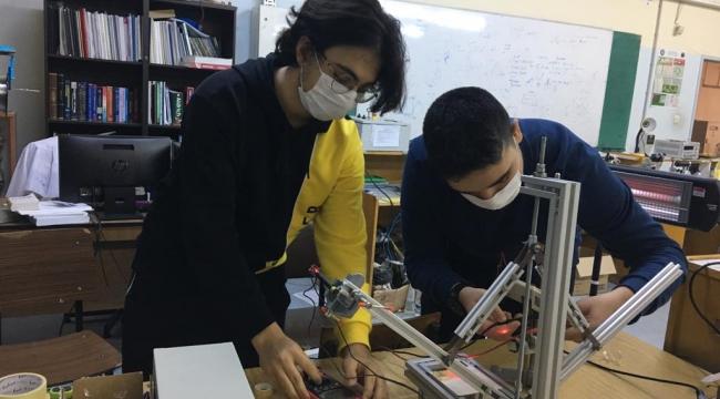 Buca'nın genç bilim insanlarına TÜBİTAK onuru