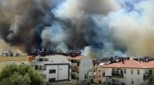 Antalya Manavgat'ta orman yangını yerleşim yerlerine sıçradı: 5 mahalle boşaltıldı